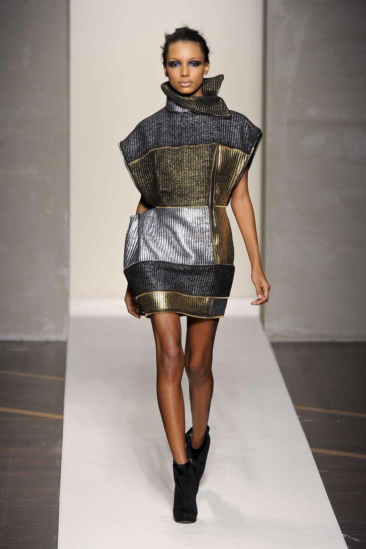 Gianfranco Ferre Automne/Hiver 2012, Womenswear - Défilés (#9606)