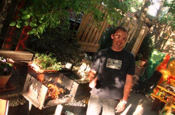 FREE BBQ in summer..love it !!