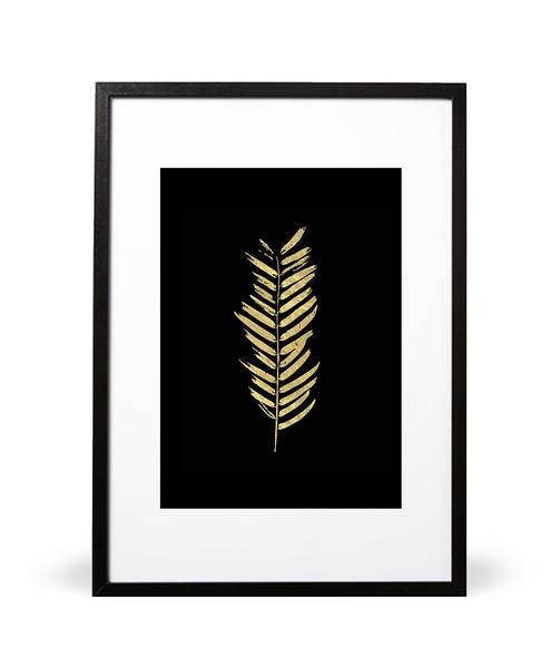 Gold Leaf art print. Part of A Touch of Royale collection. Featuring our faux gold foil. Available in either A4 (21 x 29.7cm) or A3 (29.7 x 42cm). Printed onto 280gsm textured Nettuno Bianco Artico paper stock. Embossed with Intricate Collections logo at bottom right. Original artwork by Intricate Collections.