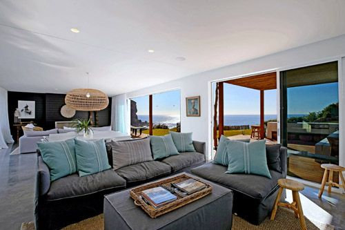 Holiday accommodation Northern Beaches, Sydney. Waterfront holiday homes for rent in Palm Beach, Whale Beach, Avalon and Newport. Beachfront vacation Sydney, Australia. Prestige accommodation available.