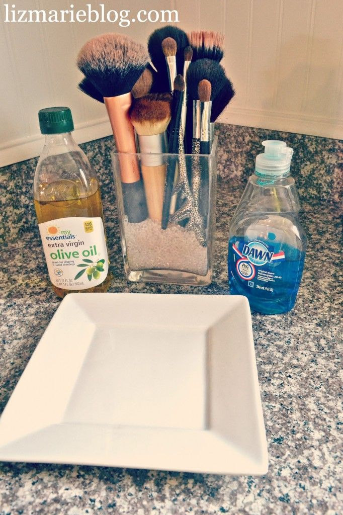 How To clean Makeup brushes the best way! Just mix equal parts olive oil and dish soap.