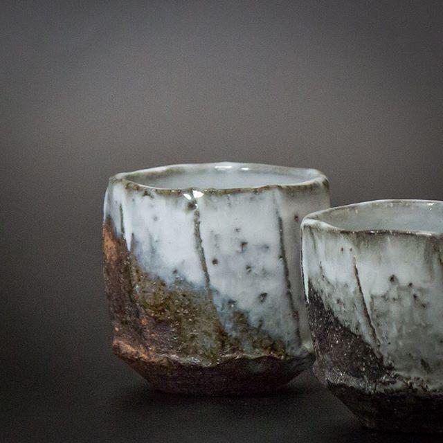 White Hagi Tea Bowls By Shibuya Eiichi Japanesepottery Pottery Hagiyaki Tea Japaneseceramics Ceramics Teatim Japanese Ceramics Japanese Pottery Pottery