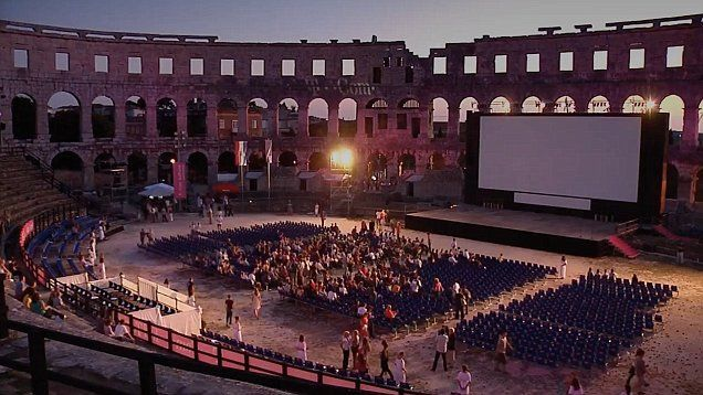 From rooftop hot tubs in London to a Roman amphitheatre: The best outdoor cinemas for watching Hollywood's biggest stars under the stars | Daily Mail Online