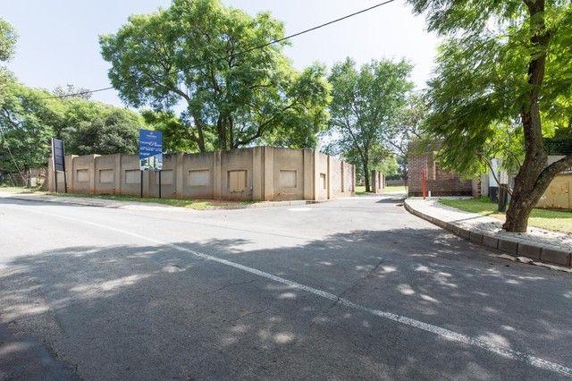 3 Bedroom House For Sale in Bryanston | Meridian Realty