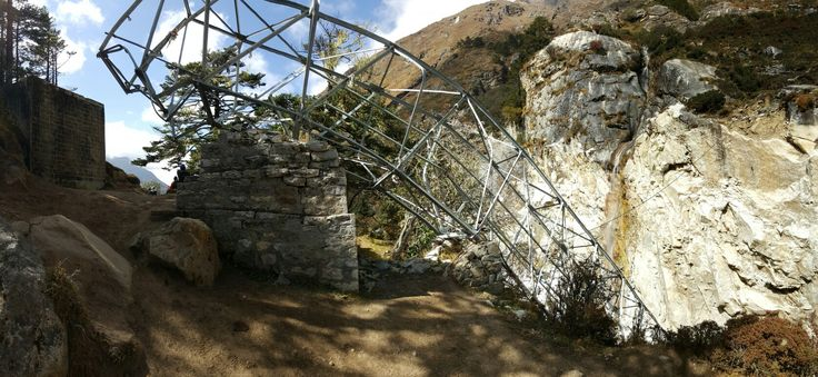 Khumjung collapsed bridge