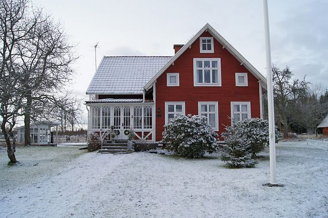The Olde Barn: Christmas in Sweden - Sweet cottage tour.