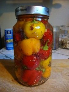 pickled sweet cherry peppers, need to see if rick can make these.  yum!!!!!