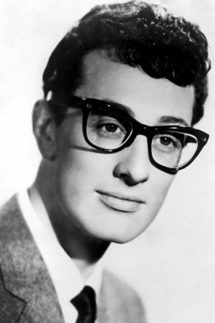 Buddy Holly, 22 (1936-1959): Unlike some other stars who died young, Buddy Holly was quite looking forward to staying alive for a long time. He had already scored a bunch of hit records, he had big plans for his musical future and his wife Maria Elena was expecting their first child.  Holly died in a plane crash along with Ritchie Valens and the Big Bopper.