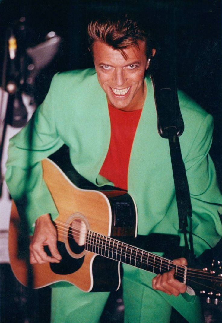 berlin-1976:David Bowie performing with Tin Machine in Stockholm, 19 October 1991 © Fredrik Hjerling aftonbladet.se/