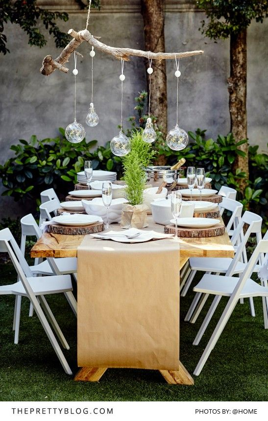 Beautiful table decor for an outdoor lunch with loved ones | Christmas inspiration | Photography by @home