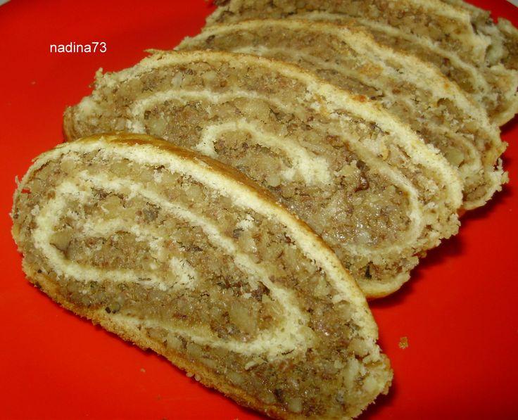 Reteta culinara Desert baigli unguresc din categoria Dulciuri. Specific Romania. Cum sa faci Desert baigli unguresc