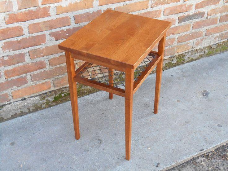 Stolik, lite drewno (wiśnia) // Kleines Tischchen aus massivem Kirschbaumholz