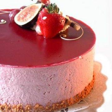 Hallonmoussetårta på chokladbrowniebotten - Tasteline