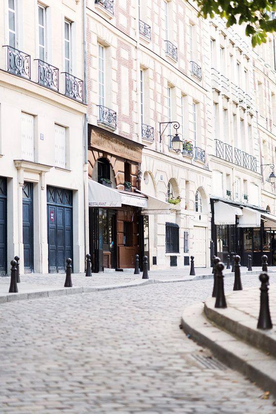 Pariser Straße fotografieren, Sonntag auf Place Dauphine, Reisen bildende Kunst…