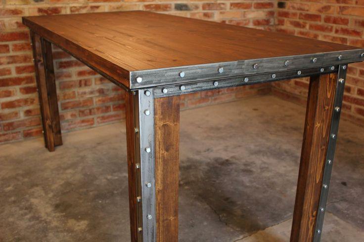 Ze względu na swoje rozmiary, Stół Frame idealnie nadaje się do spotkań w dużym gronie rodzinnym lub biznesowym.