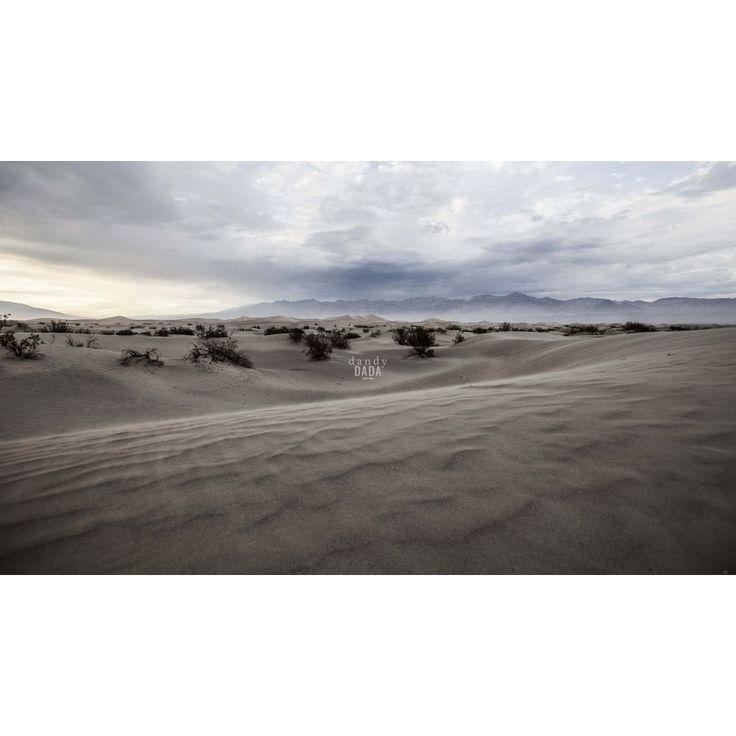 """#DeathValley Reportage naturalistico lungo il """"#West"""". Terra di frontiera, territorio unico per catturare scenografie naturali da lasciare senza fiato. Non vi è alcun altro paesaggio del pianeta capace di competere in bellezza, in immensità degli spazi e profondità del cielo.  U.S.A., #California, #NationalPark. 31/07/2014 #desert #nature #america #fineart #photography #landscape"""