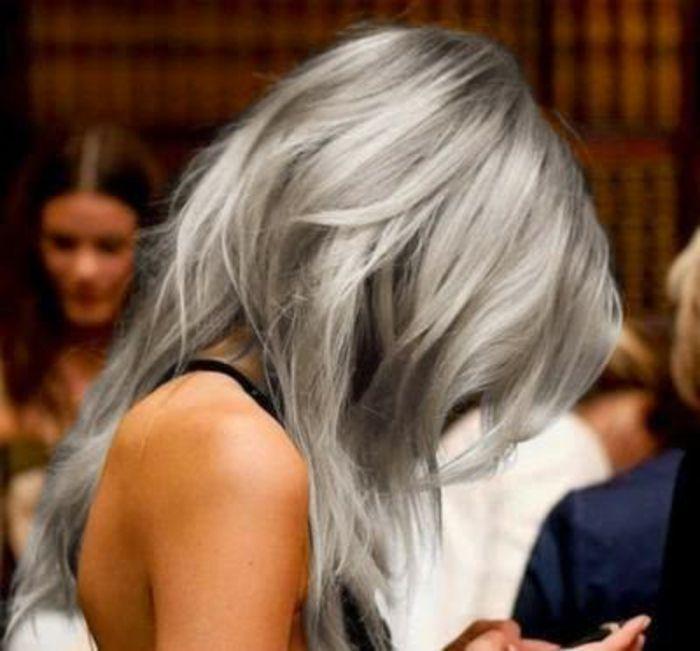graue  haare kurz schön