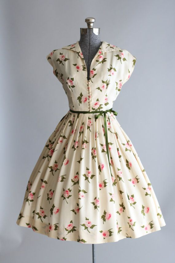 Vintage 1950s Dress / 50s Silk Dress / Cream Rose Print Dress w/ Waist Tie S