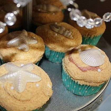 Mermaid party cupcakes - with edible sand & white chocolate seashells