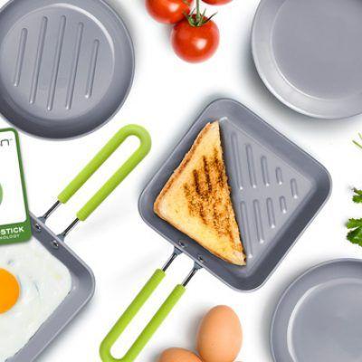 Kleine pannen met een natuurlijke keramische laag van het topmerk Greenpan. Ideaal voor het bakken van een eitje, pannenkoeken of een hamburger. De doorsnede van de pan is 10 cm.