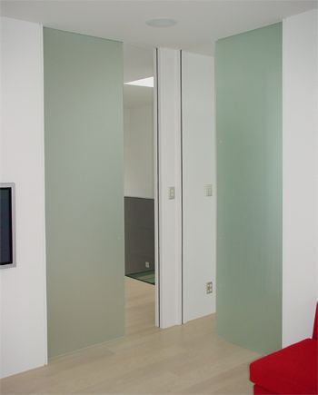 frameless-glass-autox2.jpg 350×435 pixels