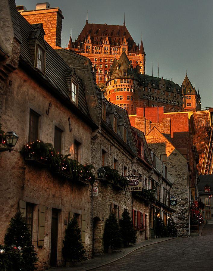 Château Frontenac vue de la rue Sous le Fort ville de Quebec
