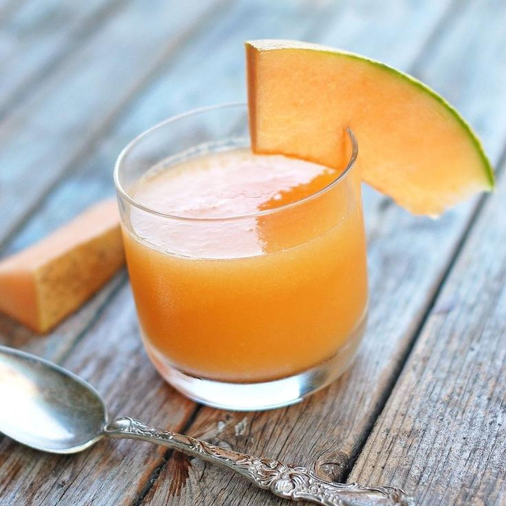 Melon Magic to go for your Iftar table! Here is its recipe suggested by our nutritionist Shilpa Dhar! Melon Magic(Serves 4) Ingredients: 2 cups muskmelon cubes 2 cups orange segments Method: Combine the muskmelon and orange in a mixer and blend till smooth. Pour equal quantities of the juice into 4 individual glasses and top with 2 ice-cubes in each glass. Serve immediately garnished with parsley. #CODSIndia #nutrition #ramadan #roza