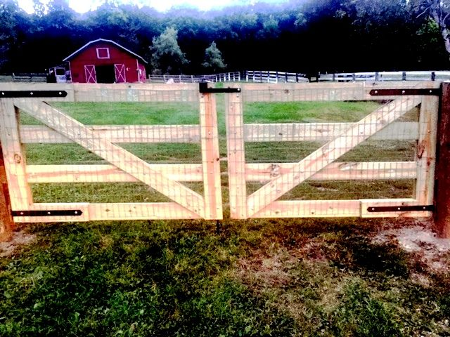 4-Rail Horse Fencing Gate with Welded Wire