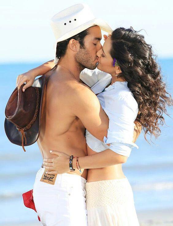 Aaron Diaz y Ana Lorena Sanchez-Arturo Gallardo Leon y Sofia Del Junco Belmonte