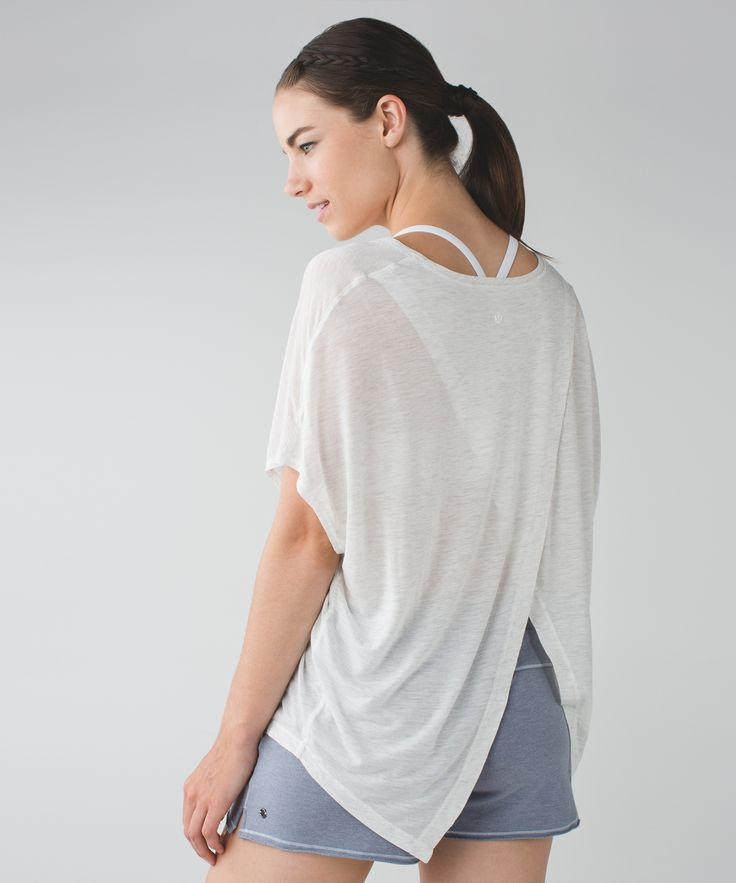 Ready for a little post-practice bliss? We designed this lightweight, oversized top to throw on after class and live in for the rest of a relaxed day. The naturally breathable MicroModal® fabric is so soft you'll be tempted to keep it on and wear it to bed. Sweet dreams!