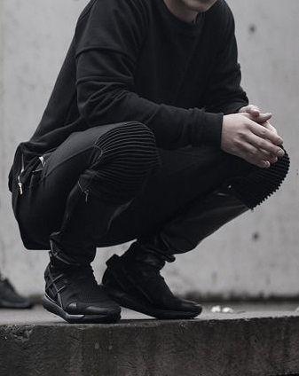 Virulento Stratis - modern clothes