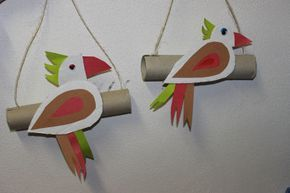 Bird craft with a cardboard tube / column