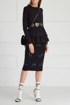 Юбка с вышивкой No.21. Черная юбка-карандаш из коллекции бренда No.21. Для этой лаконичной модели дизайнер Алессандро Дель Аква выбрал характерный декор в виде объемной вышивки пайетками и бисером. Такая юбка станет прекрасным вариантом для выхода в свет – подберите к ней шелковый топ и декорированные босоножки той же марки.