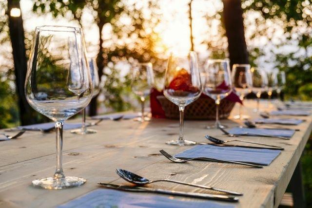 【ワインマニアが伝授】ワイングラスの種類と正しい選び方。おすすめブランド10選 - macaroni