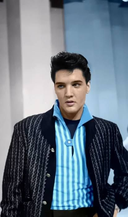 "( ☞ 2015 IN MEMORY OF ★ † ELVIS  PRESLEY "" Rock & roll ♫ pop ♫ rockabilly ♫ country ♫ blues ♫ gospel ♫ rhythm & blues ♫ "" ) ★ † ♪♫♪♪ Elvis Aaron Presley - Tuesday, January 08, 1935 - 5' 11¾"" - Tupelo, Mississippi, USA. † Died; Tuesday, August 16, 1977 (aged of 42) Resting place Graceland, Memphis, Tennessee, USA. Cause of death: (cardiac arrhythmia)."