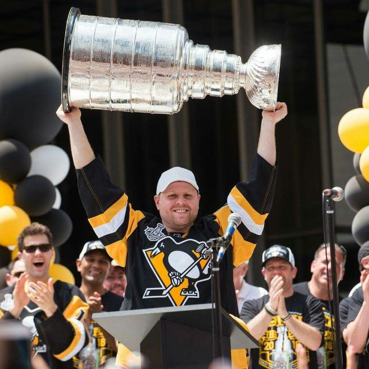 Phil Kessel at City of Champions parade for the Penguins