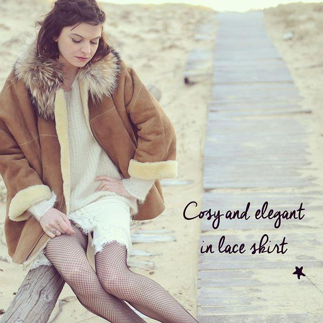 #ootd  Comment porter une jupe effet lingerie tout en restant confortable, cosy et élégante? On ajoute un pull en mohair et un gros manteau bien chaud au col tout doux... On craque   Outfit of the day  How to wear a lace skirt in a cosy and elegant way? Add a wool sweater and a warm coat with a super soft collar... Try it !✨ #laceskirt #lace #wool #cosy #elegant #feminine #fashion #paris #stellaforest #dream #love #yay #beach #fw15