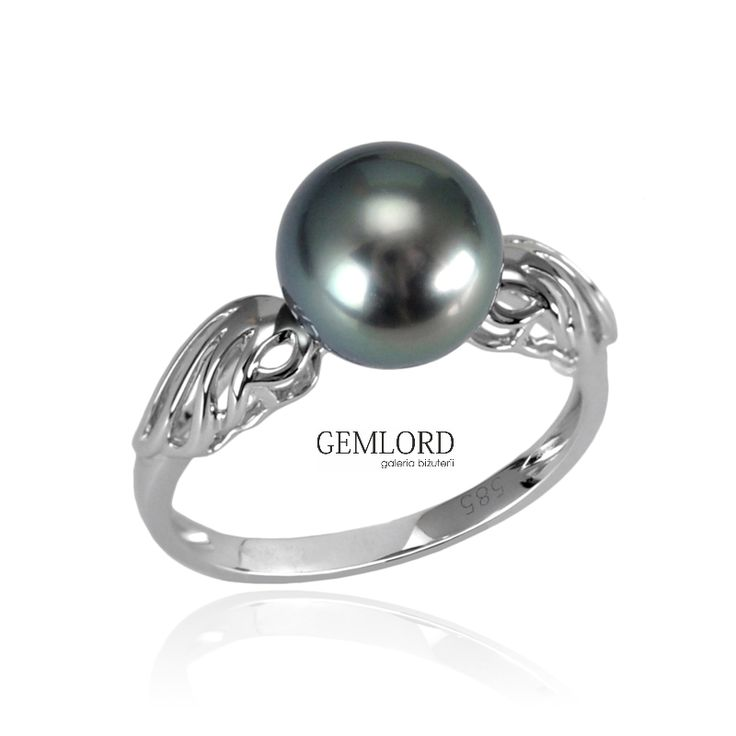 Elegancki pierścionek z perłą Tahiti w oprawie z białego złota. Obowiązkowa biżuteria każdej miłośniczki wyjątkowych pereł. Fantastycznie sprawdzi się także jako pomysł na prezent.  #pierścionek #pierscionek #ring #perły #pearls #жемчуг #biżuteria #jewellery #jewelry #luxury #luxurylife #quality #topquality #fashion #style #classy #simple #piekny #piękny #beautiful #cute #beauty #pearljewellery #prezent #pomysłnaprezent #pomyslnaprezent #gift #pearllover #lovepearls #pearladdict