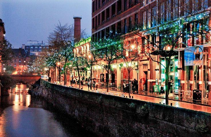 Canal Street - Manchester  Google Image Result for http://2.bp.blogspot.com/-9eAm8jDqzYk/TmYCMFOqreI/AAAAAAAAJB4/peb2q_Yw8tA/s1600/23199_canal_street.jpg
