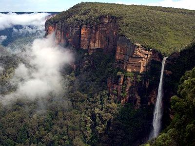 The #BlueMountainTour offers tour packages to locations which sprawl towards the Blue Mountains in the region of New South Wales in Australia. Read more... https://storify.com/bluemountainsau/enjoy-the-vacations-with-sydney-day-tours-services