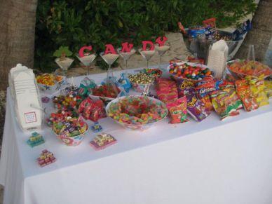 festa infantil mesa de doces e salgados