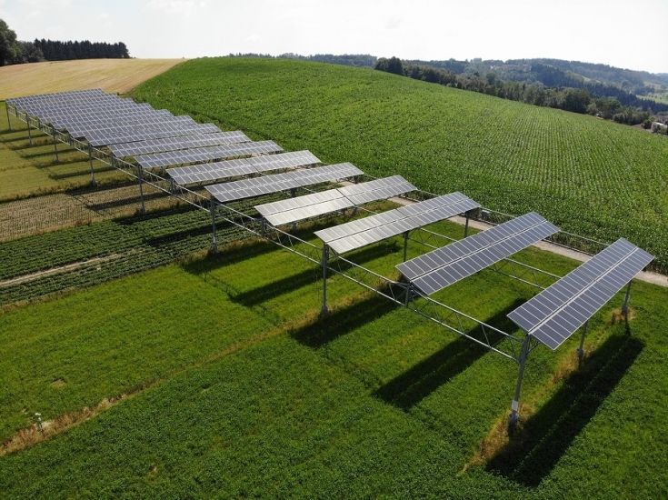 Agrophotovoltaics Land Use Efficiency Of Up To 186 Percent Pv Europe Solar Technology And Applications Solar Farm Solar Solar Panels