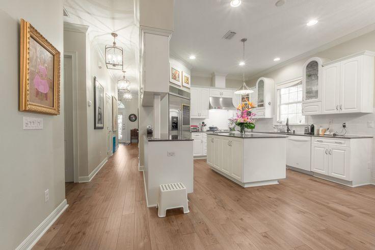 Engineered Hickory Floors-21420267256.jpg