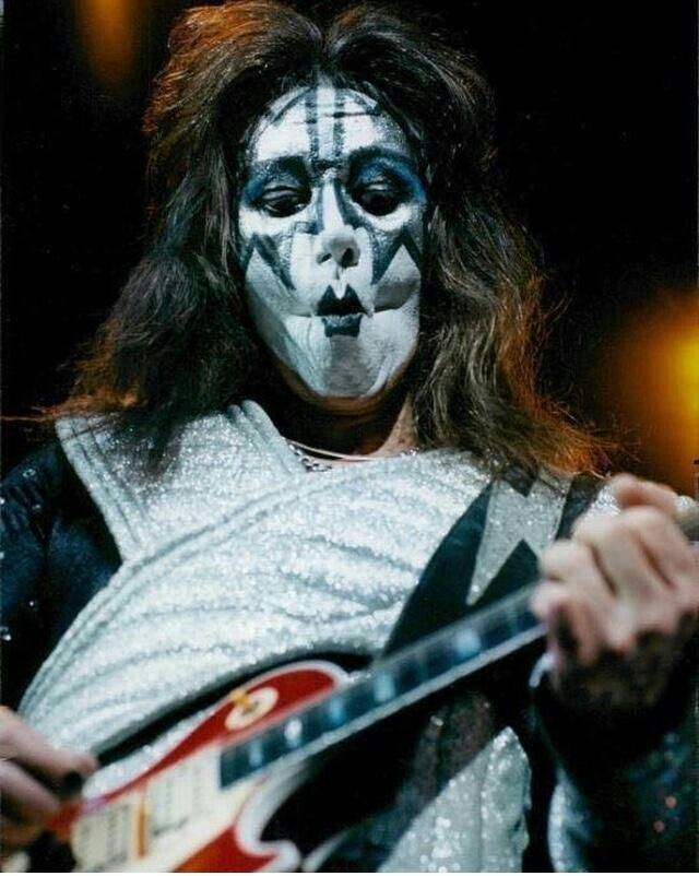 Pin By Pat On Kiss Ace Frehley Kiss Band Kiss Members