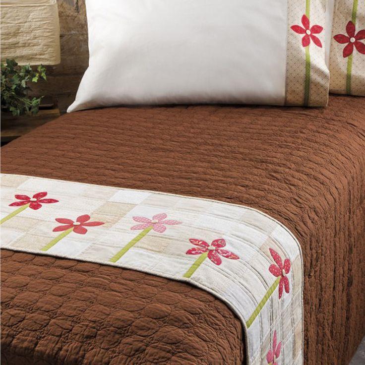 GO! How Does Your Garden Grow? Bed Runner & Pillowcase ...