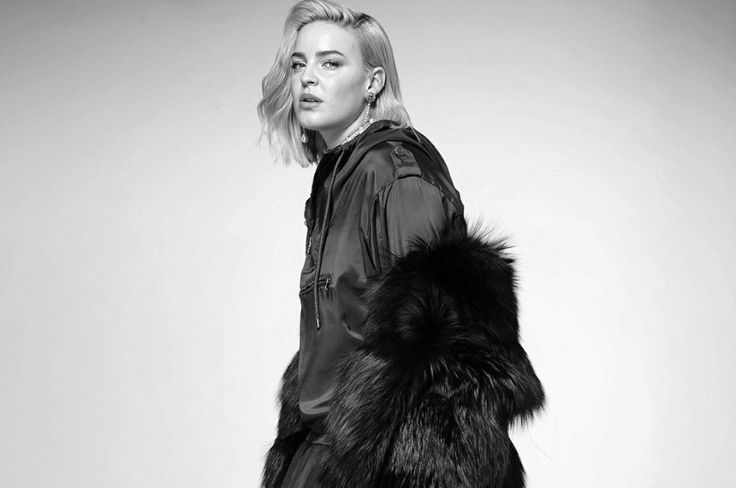 """London-based singer-songwriter Anne-Marie performed """"Ciao Adios"""", """"Alarm"""" and """"Rockabye"""" on WDR 1LIVE Session."""