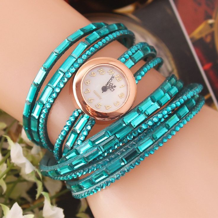 Woman fashion rhinestone watch with diamond design fashionable dressy wristwatch #wristwatch #wrapwatch #wrapwristwatch #fashionwatch #fashionwristwatch #fashionjewelry #bluewristwatch