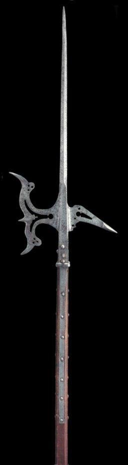 Hallebarde à fer et croc ajourés, Italie fin XVIe siècle. An Italian halberd,