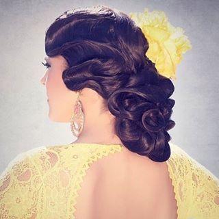 Gertru Jiménez, flamenko dansından ilham alarak tasarladığı koleksiyonda klasik stilleri modernize ediyor. Sofistike topuzlar, vaklı saçlar, çiçek şekli verilmiş saçlar koleksiyonda dikkat çekiyor. #esteticadergisi #hairist #hairlikes #photoofday #beautiful #followme #happy #art #toptags #artist #artistic #artist #artwork #hair #hairstyles #haircolour #haircolor #hairdye #hairdo #haircut #saç #kuaför #saçmodelleri #topuz #kesim #renk…