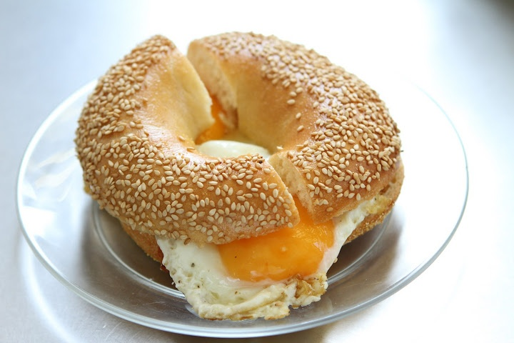 2 Eggs on a Bagel | The Bagel Factory | www.thebagelfactory.it